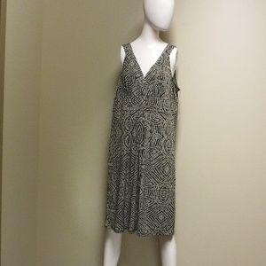 Axcess V-Neck Tan/Black Dress Size XL NWT